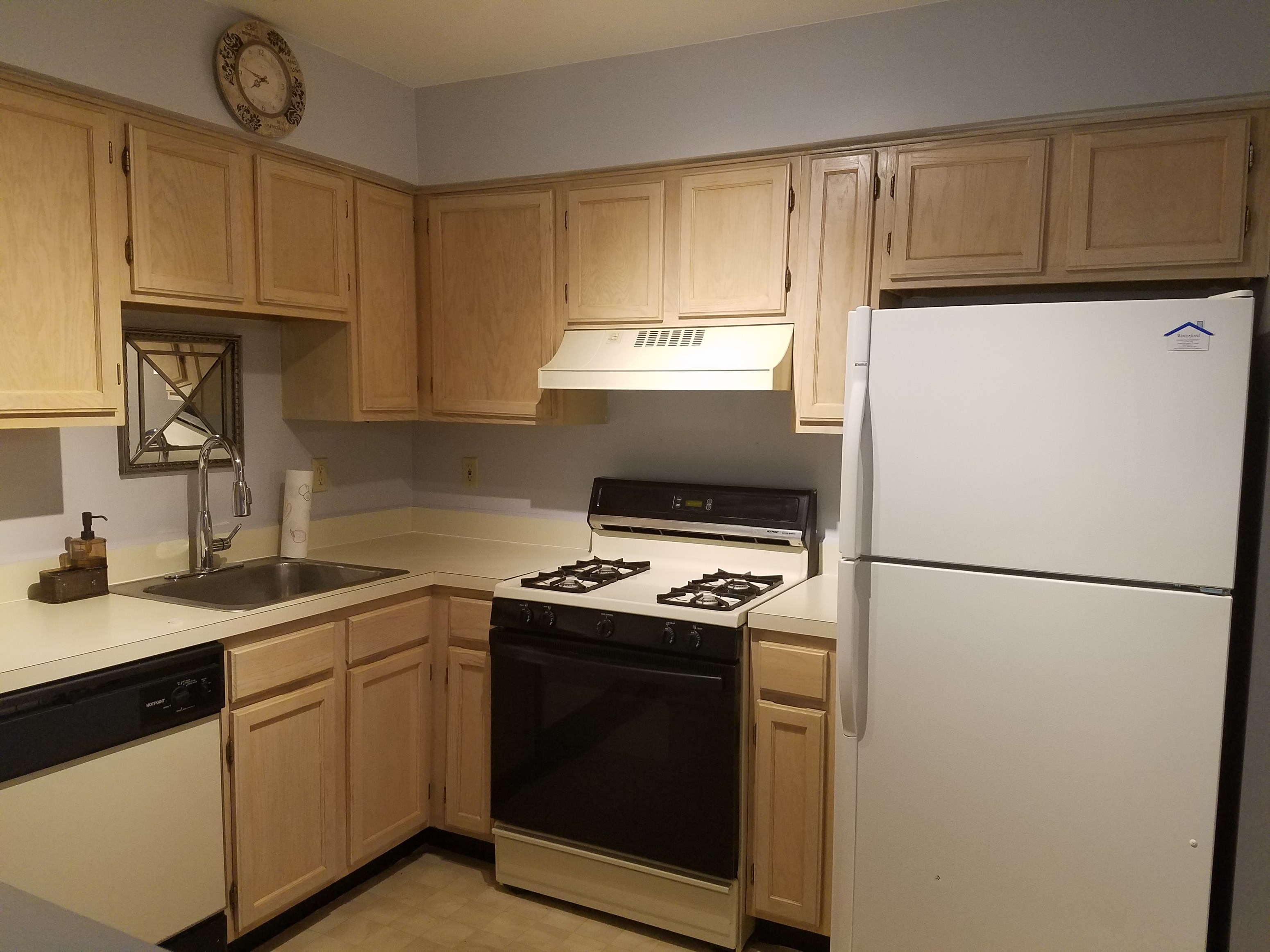 Meticulously Kept Two Bedroom, Two Bath Condo In Waterford Dr In Edison  |  2 BHK Condo in Edison, NJ | 974459 - Sulekha Rentals