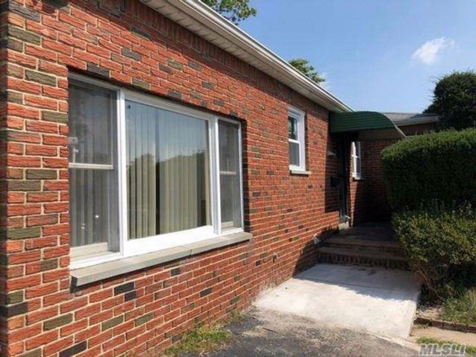 185 Morton Blvd, Plainview - Whole House Rental Available   3 BHK Single  Family Home in New Hyde Park, NY   1185997 - Sulekha Rentals