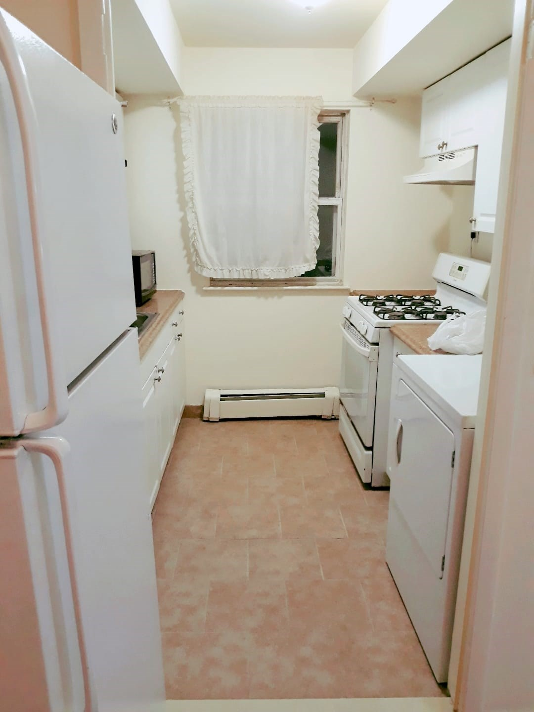Close To Metro Park Station And Oak Tree Road ( 2 Bed Room Spacious  Apartment)   2 BHK Apartments and Flats in Iselin, NJ   1186150 - Sulekha  Rentals