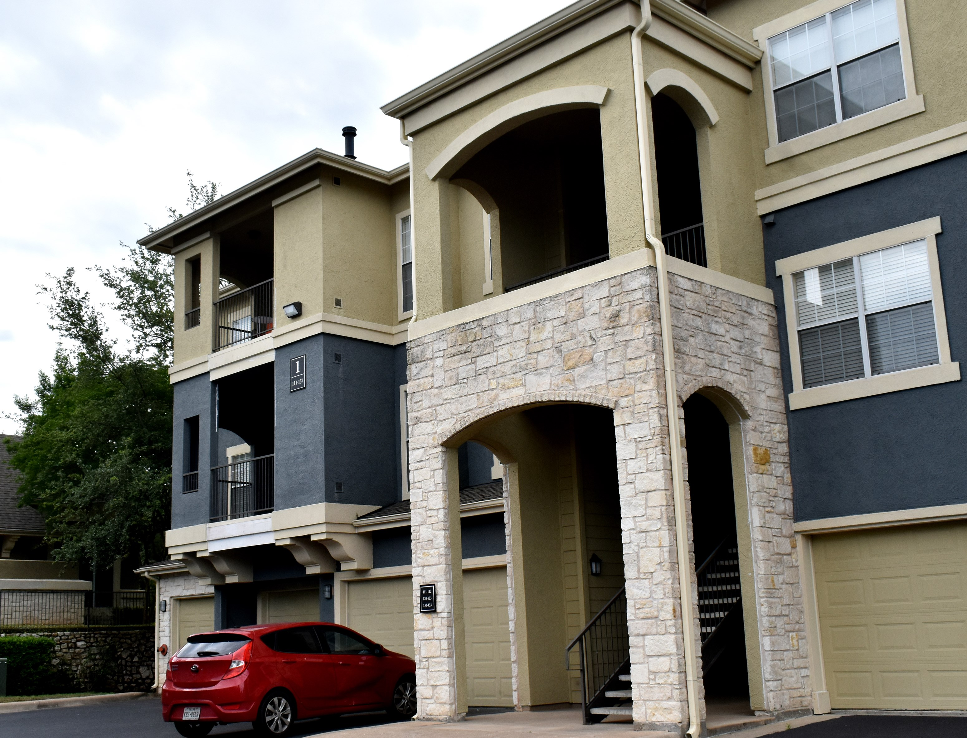 Spacious And Luxurious Rental Apartment   4 BHK Apartments and Flats in  Austin, TX   1221064 - Sulekha Rentals