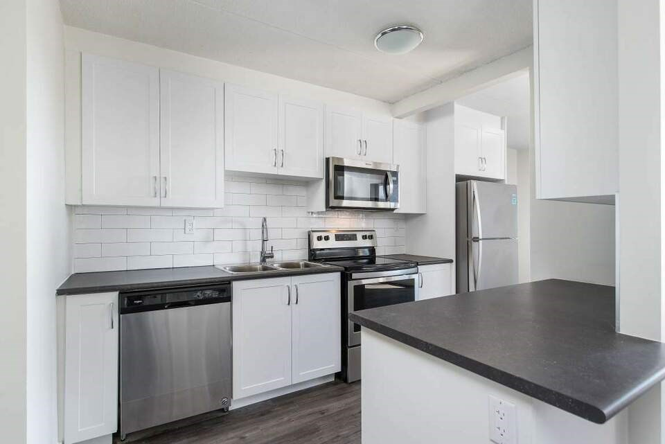 Newly Renovated 2 Bedroom Apartment For Rent   2 BHK Apartments and Flats  in Kitchener, ON   1239388 - Sulekha Rentals