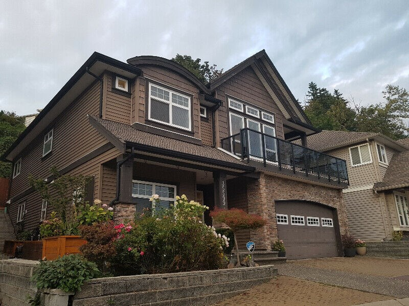 Beautiful House With Mountain View | 4 BHK Houses in Abbotsford, BC |  1253145 - Sulekha Rentals