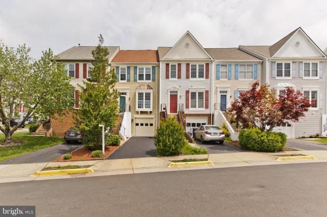 3 Level Townhouse Basement For Rent in Centreville VA